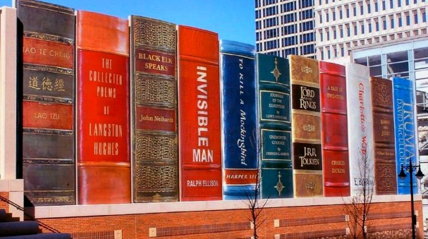 The-Community-Bookshelf-Kansas-City-Central-Library-Parking-Garage-Facade-4
